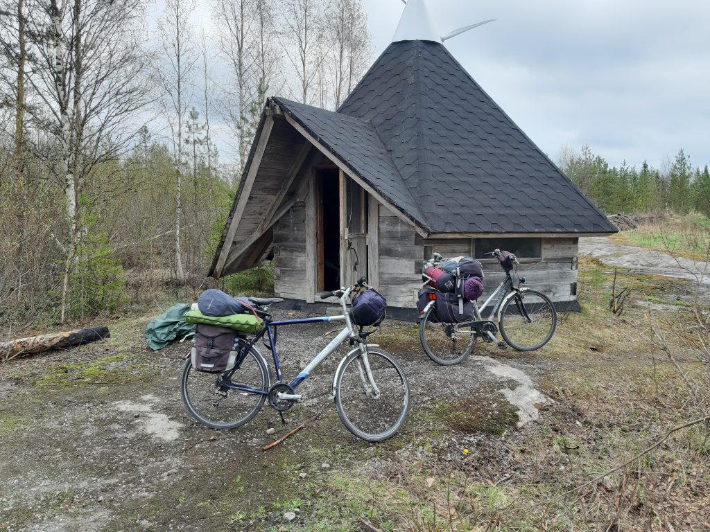 Grillhütte im Wald, Tag 13 - Mein Fahrrad ist kaputt