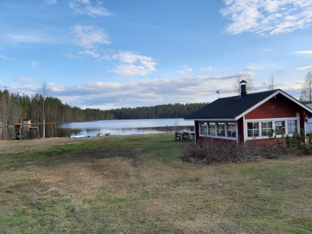 21. Mai - Badewetter, See in Lappland